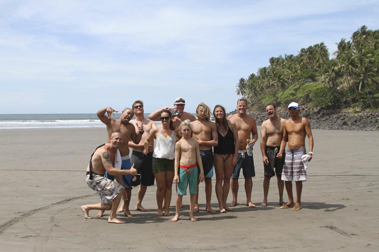 El Cuco Volunteers