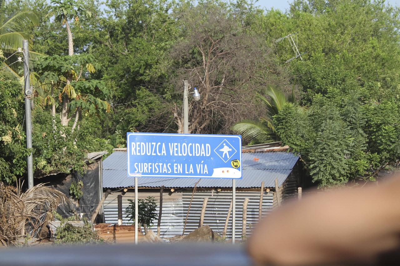 Surfistas en la Via - Surf El Salvador